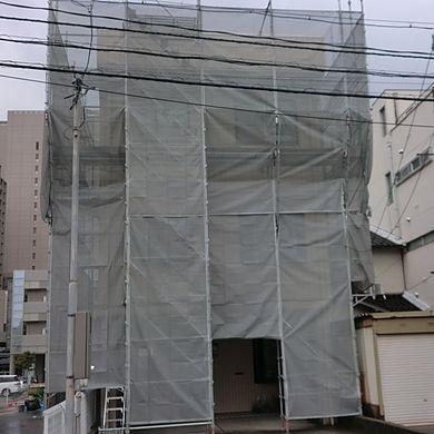3階建外壁塗装工事施工前足場組
