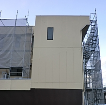 3階建外壁塗装工事施工中